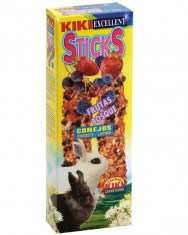 Kiki Sticks Berries For Rabbits